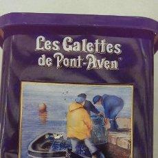Cajas y cajitas metálicas: PRECIOSA CAJA DE GALLETAS CON CUADRO PINTADO LITOGRAFIADO BERNARD MORINAY. Lote 113042423