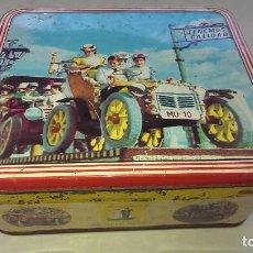 Cajas y cajitas metálicas: ANTIGUA CAJA HOJALATA LITOGRAFIADA MANZANILLA LOS NOVIOS LEGIONARIO MURCIA CALIDAD, COLECCION. Lote 115438083