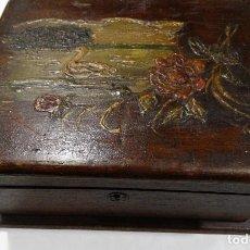 Cajas y cajitas metálicas: CAJA DE MADERA PINTADA A MANO. Lote 115656951