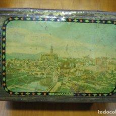 Cajas y cajitas metálicas: ANTIGUA CAJA VISTAS DE MANRESA. Lote 116584871
