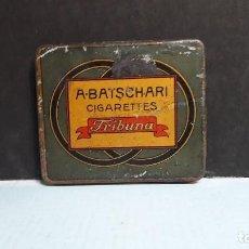 Cajas y cajitas metálicas: CAJA METALICA DE CIGARRILLOS TRIBUNA A BATSCHARI. Lote 117419299