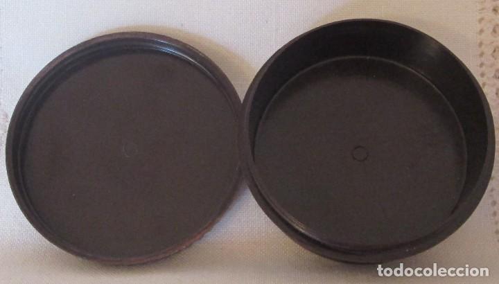 Cajas y cajitas metálicas: Antigua cajita redonda en baquelita marrón - Foto 2 - 119461683