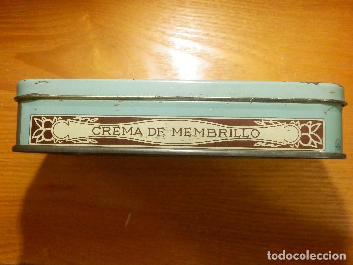 Cajas y cajitas metálicas: ANTIGUO CAJA METÁLICA - CREMA DE MEMBRILLO - LA FAMA - 18 X 11 CM. X 4 CM. ALTO - Foto 4 - 119584615