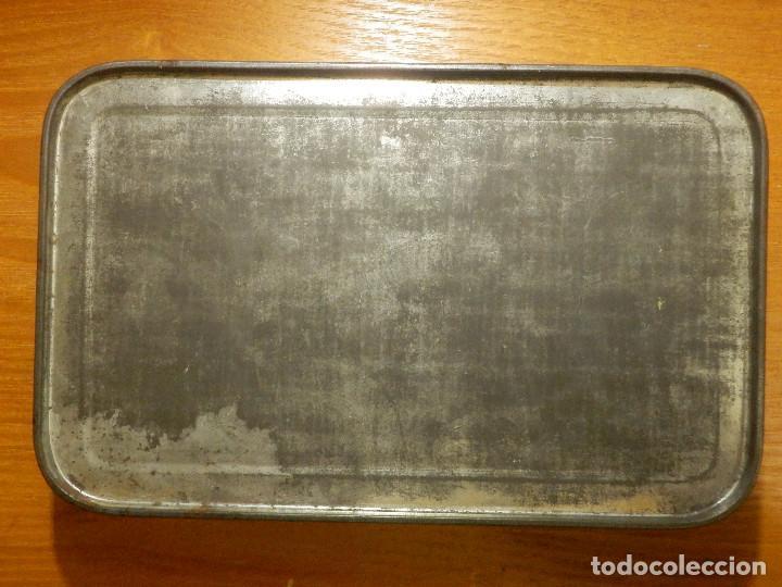 Cajas y cajitas metálicas: ANTIGUO CAJA METÁLICA - CREMA DE MEMBRILLO - LA FAMA - 18 X 11 CM. X 4 CM. ALTO - Foto 8 - 119584615