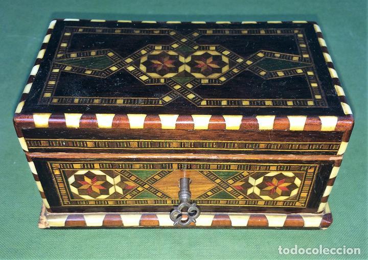 Caja joyero en marqueteria de granada espa a comprar cajas antiguas y cajitas met licas en - Caja granada en madrid ...