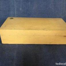 Cajas y cajitas metálicas: ANTIGUA CAJA ESTUCHE MADERA LACADA PINTURAS ÓLEO ACUARELAS PINCELES MEDIADOS S XX . Lote 119850255