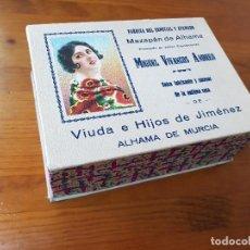 Cajas y cajitas metálicas: ANTIGUA CAJA MODERNISTA CARTON PUBLICIDAD MAZAPAN ALHAMA DE MURCIA. Lote 120947271