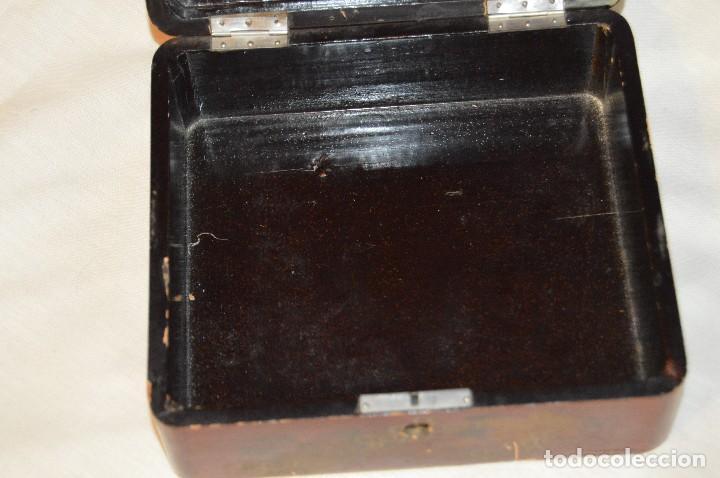 Cajas y cajitas metálicas: Vintage - ANTIGUA CAJA LACADA PERFUMERÍAS GAL MADRID - AÑOS 30 / 40 - EN MADERA - PRECIOSA - Foto 7 - 121720359