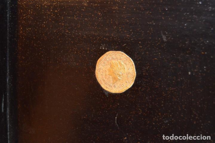 Cajas y cajitas metálicas: Vintage - ANTIGUA CAJA LACADA PERFUMERÍAS GAL MADRID - AÑOS 30 / 40 - EN MADERA - PRECIOSA - Foto 9 - 121720359