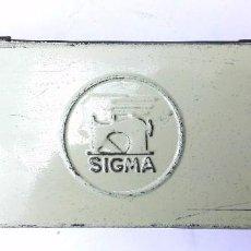 Cajas y cajitas metálicas: CAJA METALICA SIGMA MAQUINA DE COSER. Lote 121737707