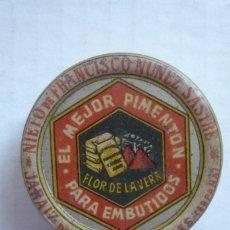 Cajas y cajitas metálicas: JARAIZ DE LA VERA (CÁCERES). CAJITA METÁLICA PARA MUESTRAS DE PIMENTÓN. DIÁMETRO 5,5 CM.. Lote 143317637