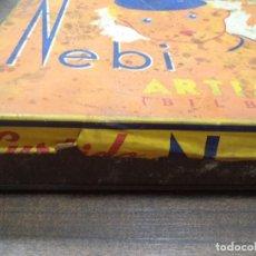 Cajas y cajitas metálicas: ANTIGUA CAJA DE LATA DE GALLETAS. SURTIDO NEBI. ARTIACH, BILBAO. MEDIDAS : 24 X 21,5 X 6 CM.. Lote 126240591