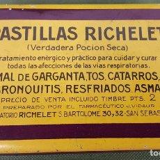 Cajas y cajitas metálicas: CAJA DE HOJALATA. PASTILLAS RICHELET. SAN SEBASTIÁN. 1925. . Lote 127990467