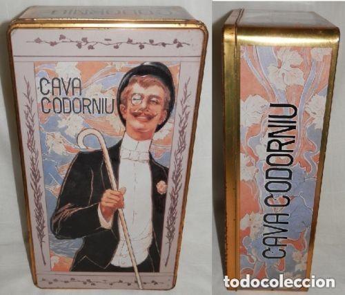 CAJA METÁLICA GRANDE DE CAVA CODORNIU - 34X19X11 CM. (Coleccionismo - Cajas y Cajitas Metálicas)