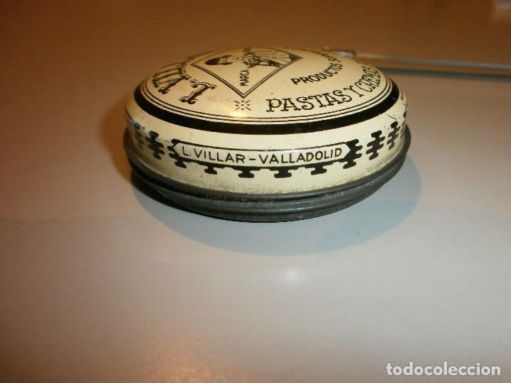 Cajas y cajitas metálicas: antigua caja l.villar valladolid pastas y cremas para calzados años 30 40 con el contenido sin usar - Foto 4 - 128647615
