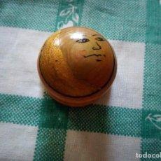 Cajas y cajitas metálicas: PRECIOSA CAJITA PASTILLERO DE MADERA.. Lote 129470991