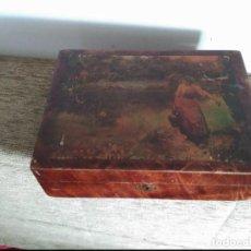 Cajas y cajitas metálicas: ANTIGUA CAJA COSTURERO O PEINADORA. Lote 130265498