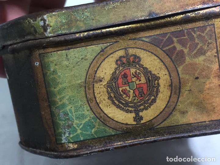 Cajas y cajitas metálicas: Caja hojalata litografiada Salinas Alcalá de Henares Imagen mujer joven rubia almendras - Foto 6 - 134317198