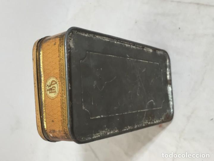 Cajas y cajitas metálicas: Caja hojalata litografiada Confitería Salinas Almendras Alcalá de Henares - Foto 5 - 134474762