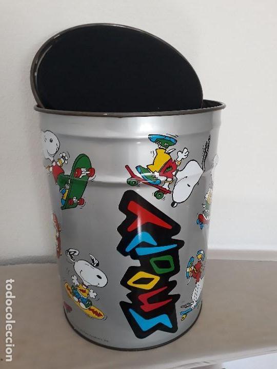 Cajas y cajitas metálicas: ANTIGUO TABURETE ó PAPELERA DE SNOOPY - Foto 4 - 135214250