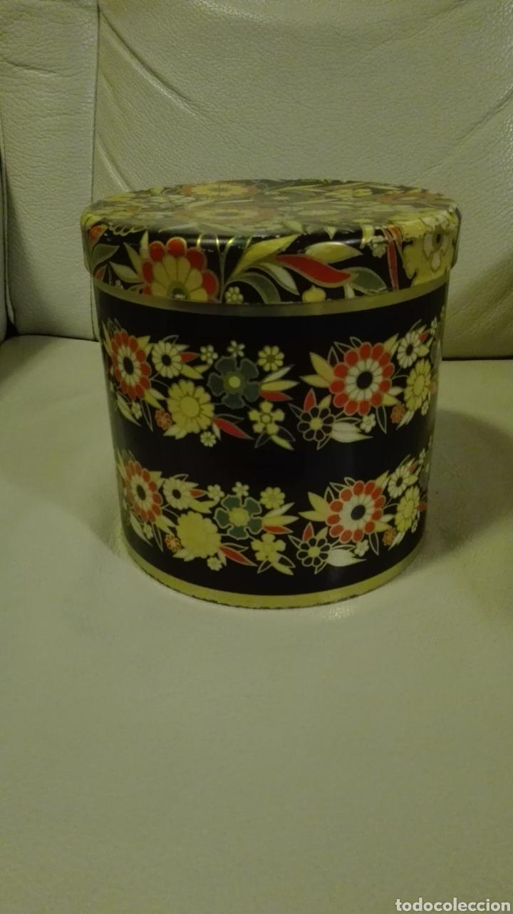 Cajas y cajitas metálicas: Caja de Cola Cao - Foto 2 - 135855757