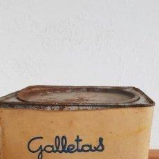 Cajas y cajitas metálicas: CAJA DE LATA GRANDE FORRADA DE PAPEL GALLETAS CUETARA . Lote 136744802