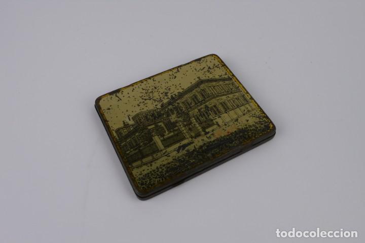 Cajas y cajitas metálicas: Cigarettes Queen-Caja metal litografiado de tabaco- Egipto muy rara - Foto 2 - 137120102