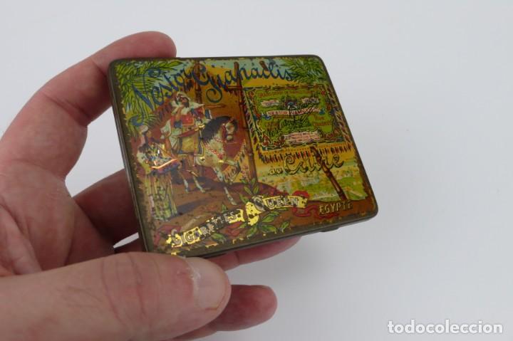 Cajas y cajitas metálicas: Cigarettes Queen-Caja metal litografiado de tabaco- Egipto muy rara - Foto 4 - 137120102