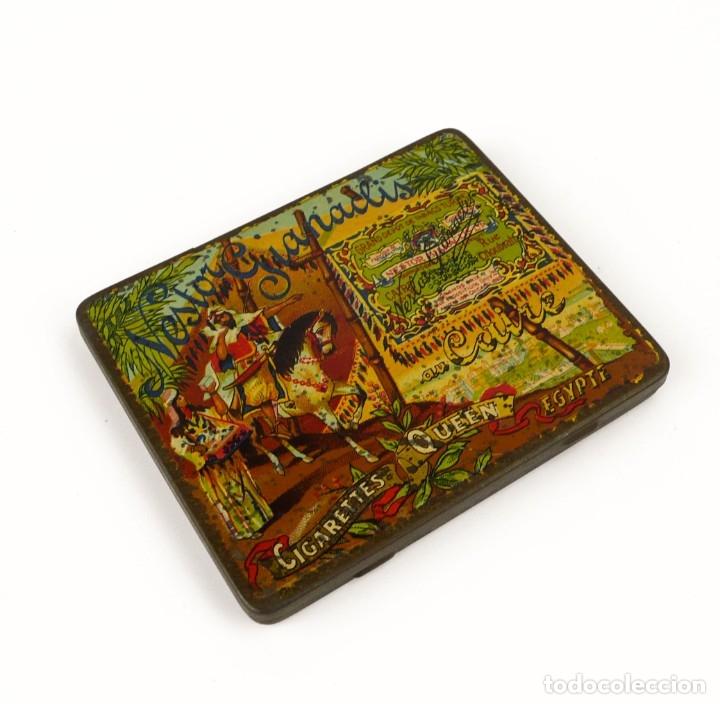 CIGARETTES QUEEN-CAJA METAL LITOGRAFIADO DE TABACO- EGIPTO MUY RARA (Coleccionismo - Cajas y Cajitas Metálicas)