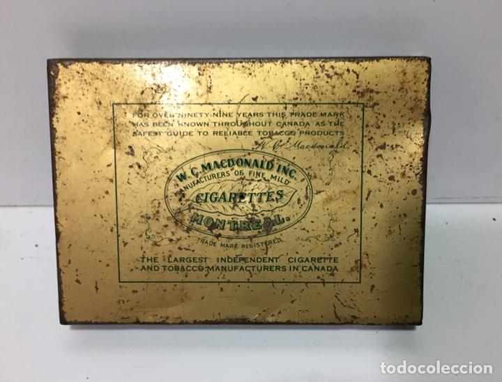 Cajas y cajitas metálicas: Antigua caja de tabaco Macdonalds de Canadá - Foto 2 - 137174721