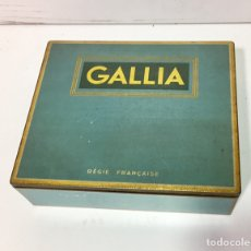 Cajas y cajitas metálicas: ANTIGUA CAJA DE METAL DE TABACO GALLIA. RARA. Lote 137347210