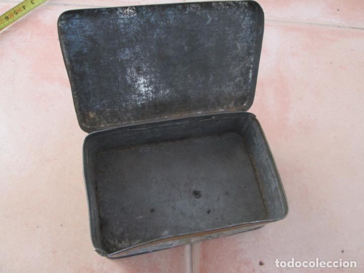 Cajas y cajitas metálicas: Vieja caja metálica. - Foto 3 - 138890558