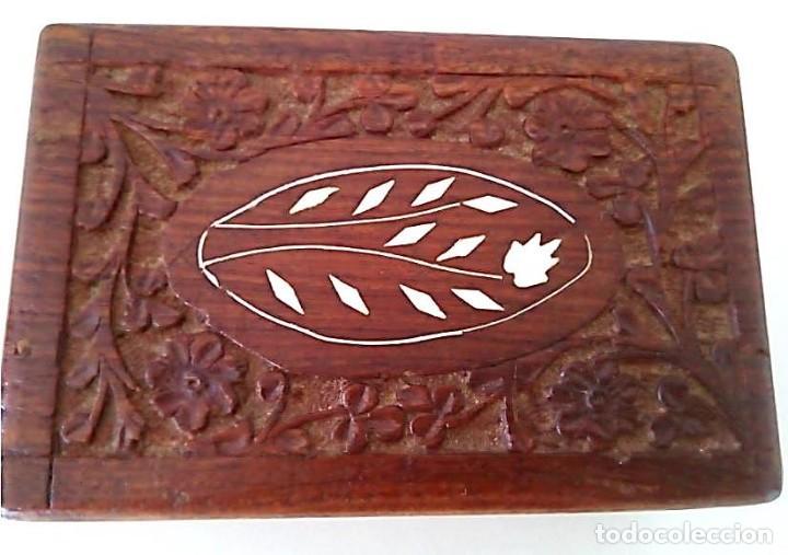 Cajas y cajitas metálicas: Caja de madera tallada con incrustaciones - Foto 2 - 139125114
