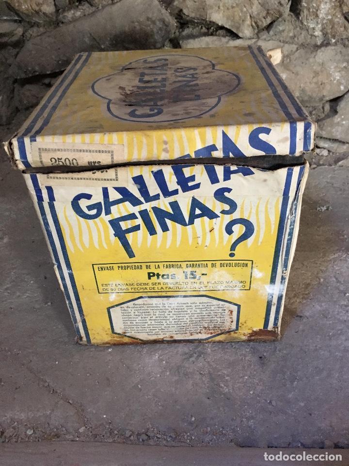 Lata Metálica Con Envoltura De Papel Galletas A Sold Through
