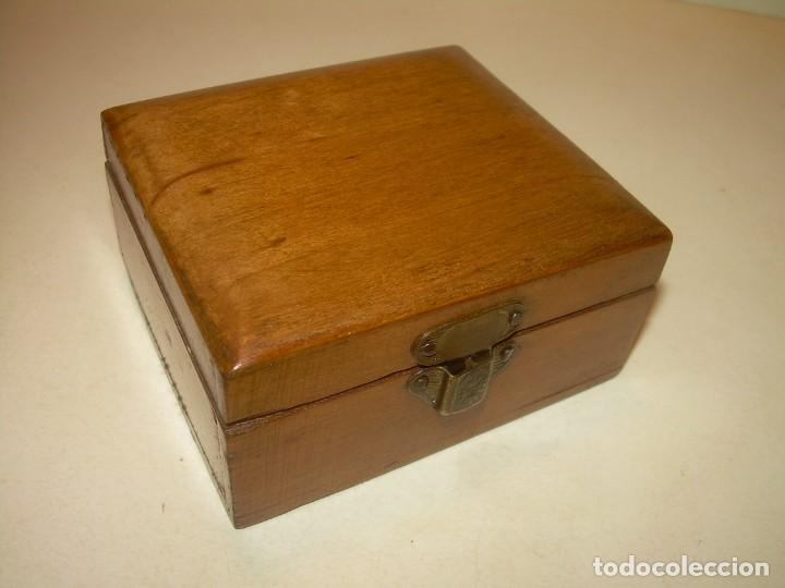 ANTIGUA CAJITA DE MADERA NOBLE. (Coleccionismo - Cajas y Cajitas Metálicas)