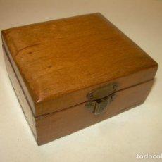 Cajas y cajitas metálicas: ANTIGUA CAJITA DE MADERA NOBLE.. Lote 139761326