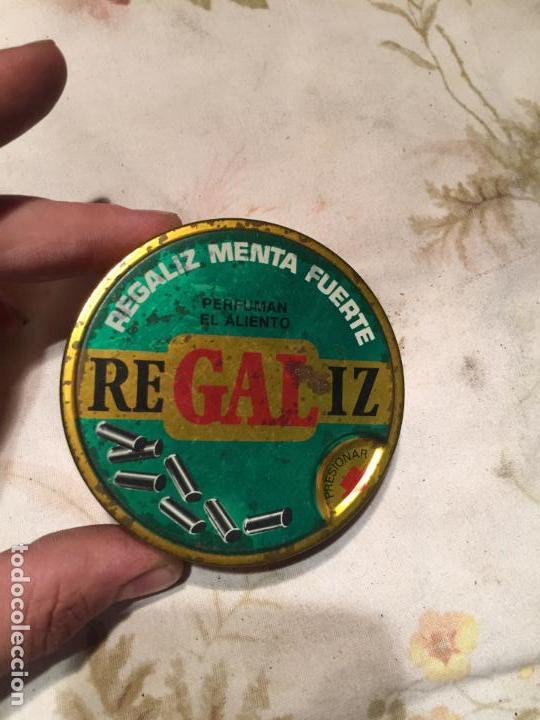 Cajas y cajitas metálicas: Antigua caja / cajita de lata de regaliz menta fuerte de los años 60-70 - Foto 2 - 140190098