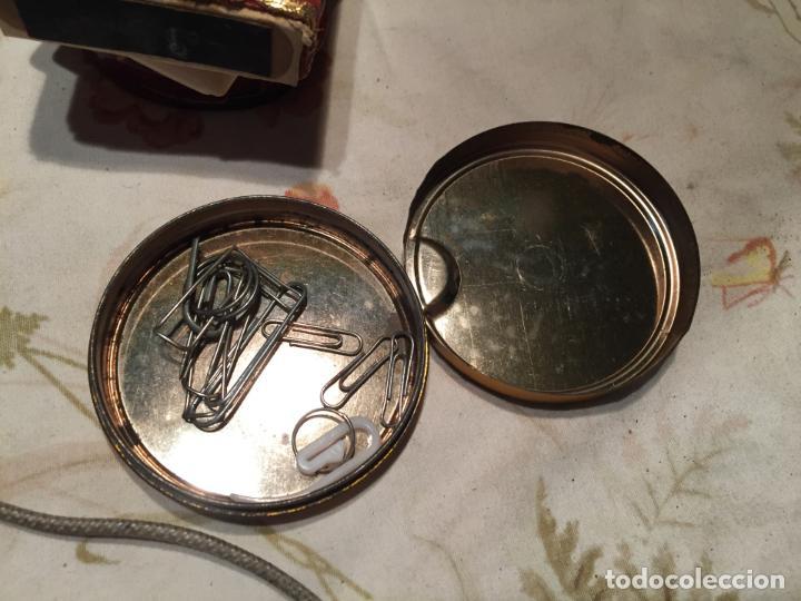 Cajas y cajitas metálicas: Antigua caja / cajita de lata de regaliz menta fuerte de los años 60-70 - Foto 5 - 140190098