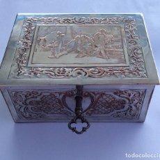 Cajas y cajitas metálicas: CAJA JOYERO DE COBRE BAÑADO EN PLATA VIVANCO Y KLAUS BILBAO. Lote 140893374
