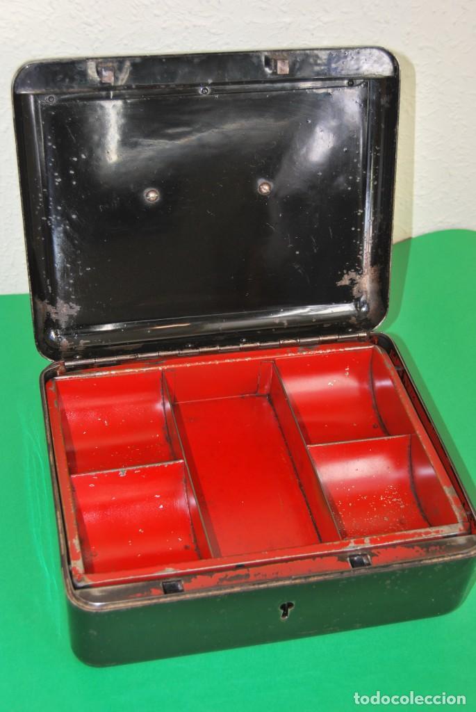 Cajas y cajitas metálicas: CAJA DE CAUDALES - CAJA DE SEGURIDAD METÁLICA - BANDEJA INTERIOR - AÑOS 20-30 - Foto 12 - 140984878