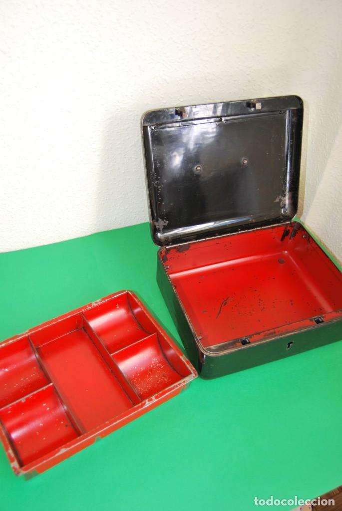 Cajas y cajitas metálicas: CAJA DE CAUDALES - CAJA DE SEGURIDAD METÁLICA - BANDEJA INTERIOR - AÑOS 20-30 - Foto 17 - 140984878