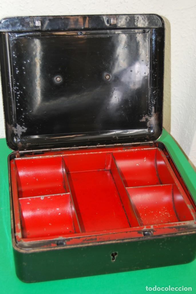Cajas y cajitas metálicas: CAJA DE CAUDALES - CAJA DE SEGURIDAD METÁLICA - BANDEJA INTERIOR - AÑOS 20-30 - Foto 19 - 140984878