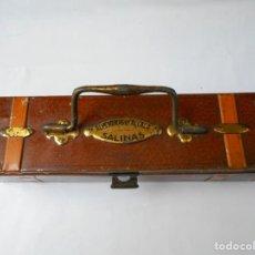 Cajas y cajitas metálicas: LATA ANTIGUA DE ALMENDRAS ALCALA DE ALCALA DE HENARES. Lote 141941222