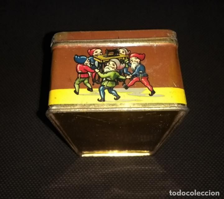 Cajas y cajitas metálicas: Caja de Hojalata Vacía Litografiada de Máquinas de Coser Wertheim - Foto 2 - 142361518