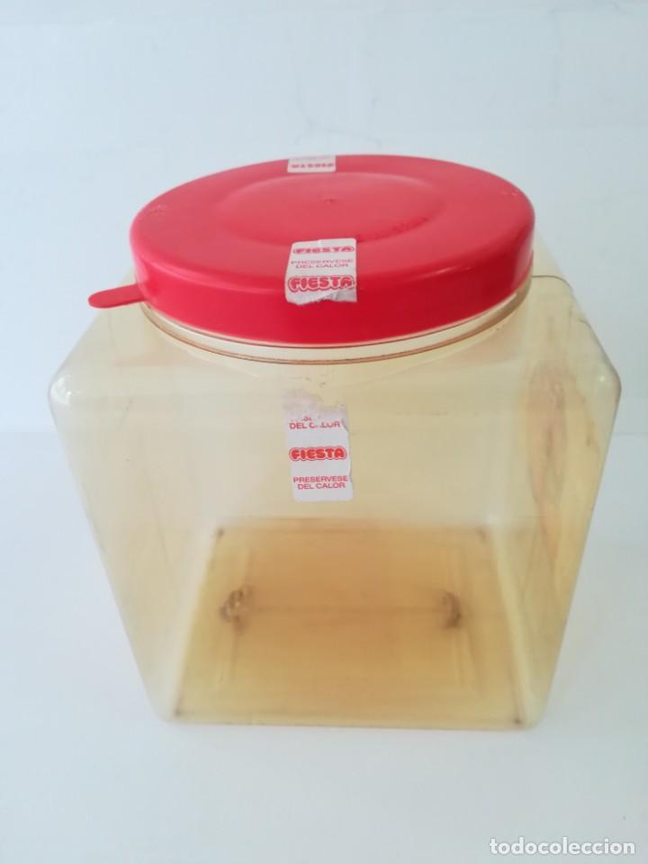 Cajas y cajitas metálicas: caja bote expositor caramelos fiesta bolon de chicle recubierto de caramelo años 80. - Foto 8 - 142693430