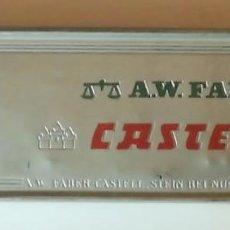 Cajas y cajitas metálicas: ANTIGUA CAJA PARA LAPICES FABER CASTELL. Lote 143107226
