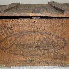 Cajas y cajitas metálicas: ANTIGUA CAJA MADERA CHOCOLATES AMATLLER, BARCELONA, RARA, BUEN ESTADO 48X36X20. Lote 143876802