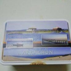 Cajas y cajitas metálicas: CAJA DE GALLETAS DE METAL ARCACHON. Lote 145862470