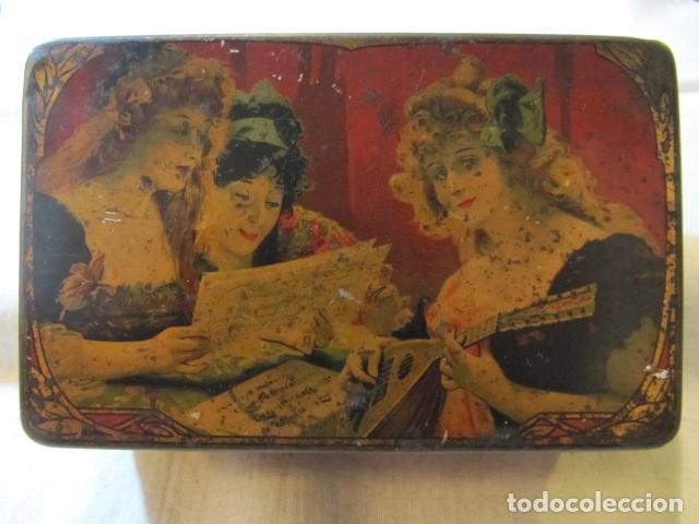 MUY ANTIGUA CAJA DE LATA LITOGRAFIADA - INDUSTRIA METALGRAFICA TINTORE OLLER - BARCELONA (Coleccionismo - Cajas y Cajitas Metálicas)