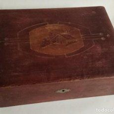 Cajas y cajitas metálicas: ANTIGUA CAJA O JOYERO DE MADERA 30 X 23 X 9,5 CM.. Lote 147743602